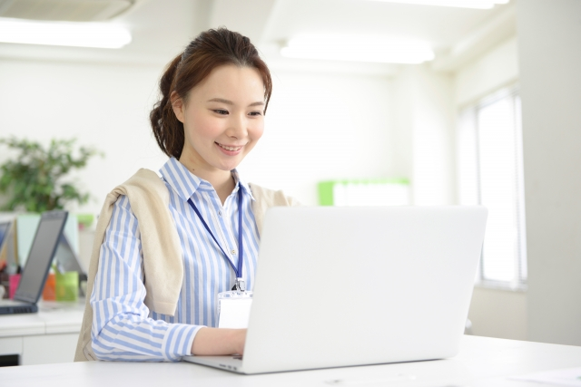 アシスタント業務を通じ、知識・経験を積み、ひとりで活躍できるアドバイザーへ